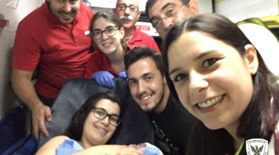Bebé nasce na nossa ambulância